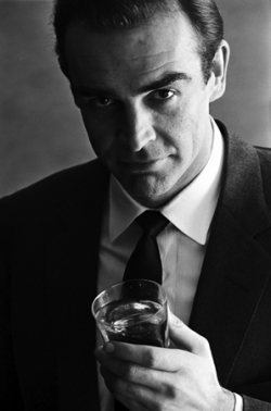 SEAN CONNERY, 1962 - ADVERTISING SHOOT FOR SMIRNOFF VODKA